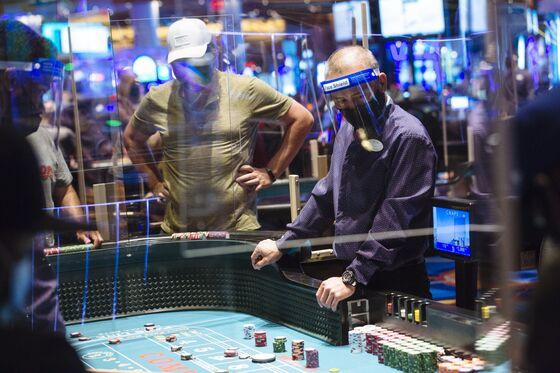 Atlantic City Casinos Cling to Smokers Amid Tobacco-Free Push