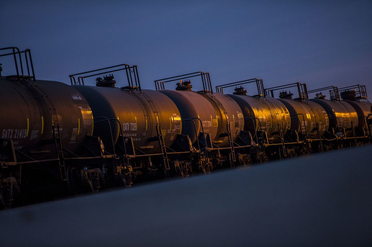 Canadian Heavy Crude Surges as Crude-by-Rail Shipments Pick Up