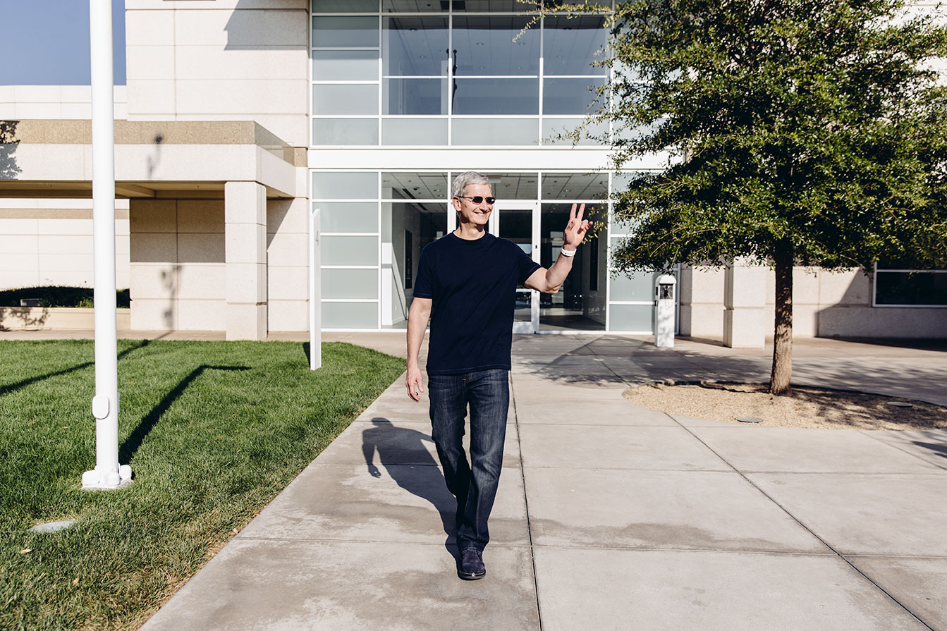 Tim Cook Interview: The IPhone 6, The Apple Watch, And Remaking A Companyu0027s  Culture   Bloomberg