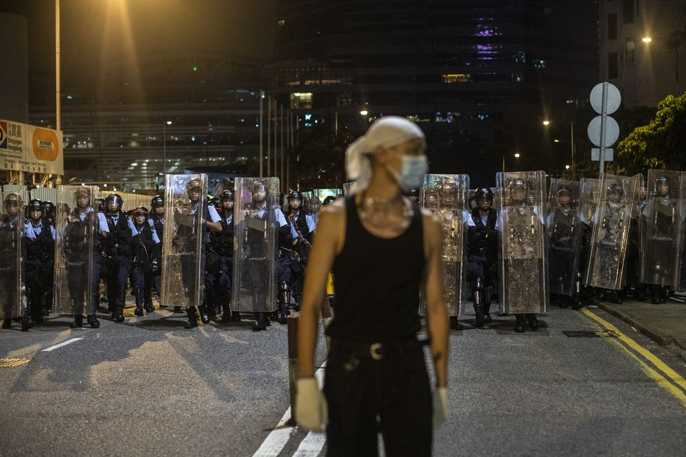 Hong Kong Protests Are Giving Banks a Headache