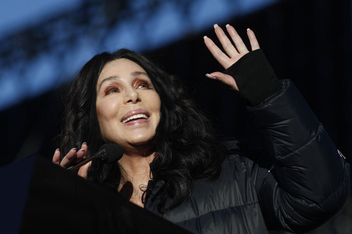 Musk, Cher and Steve Wozniak All Deleted Facebook Profiles