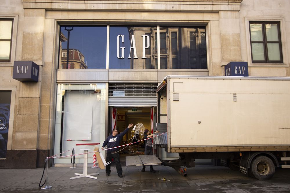 Gap (GPS) Closes All UK Stores, Offloads France Business in European Review  - Bloomberg