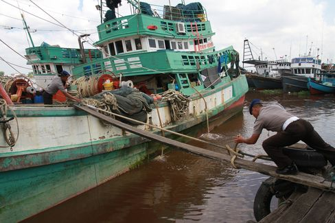 Captured fishing boats from Vietnam in the waters of the Natuna Islands