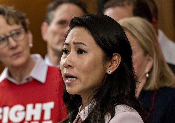 Moderate Democrats Want Vaccine Funds Before Biden Stimulus