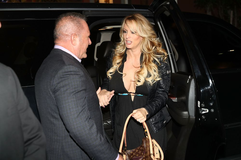 Trump Moves Stormy Daniels 'Hush Money' Suit to Federal Court – Trending Stuff