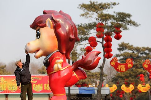 Chinese Retailers Hope for a Warmer Welcome to the Year of the Horse