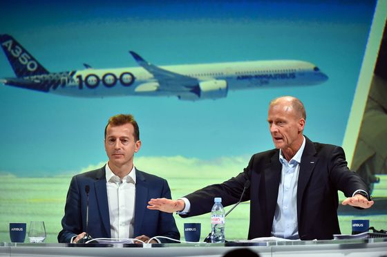 As Boeing Reels From Crashes, Airbus Stays Mum About Sales Gains