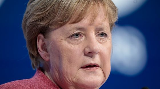 Merkel Bloc Below 20% in German Election Poll for First Time