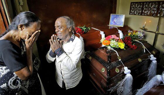 Sri Lanka's Ex-Defense SecretaryRips 'Pure Ignorance'of Leaders After Bombs