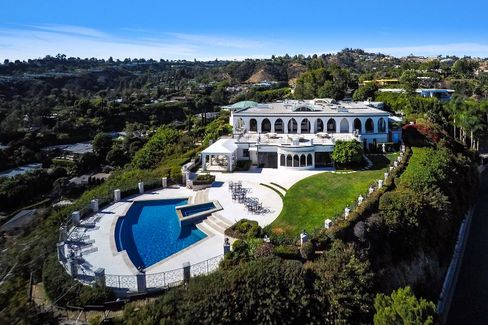 1187 North Hillcrest Road in the Trousdale Estates promontory of Beverly Hills, 90210.