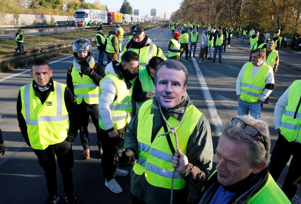 Yellow Vests Why France Is Protesting New Gas Taxes Bloomberg
