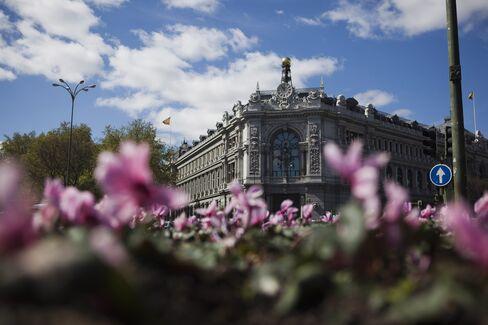 Spanish Government Bonds Rise