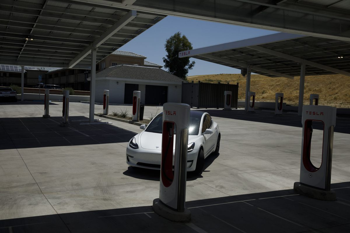 Tesla Advises Customers Hit By California Blackout to Charge Up