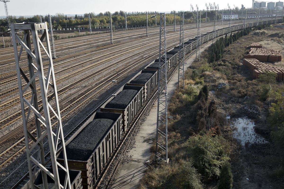 China Coal Delays Not Unprecedented, Australia Minister Says