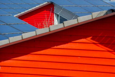 Foster's Solar-Skinned Buildings Signal Market Tripling