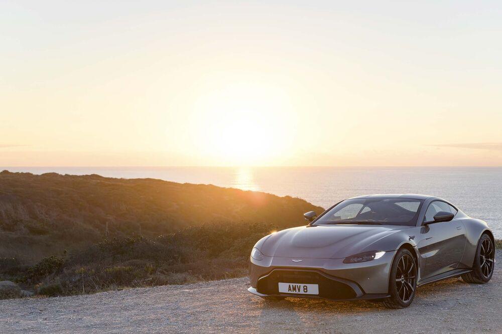 2019 Aston Martin Vantage Review Performance Stats Luxury Bloomberg