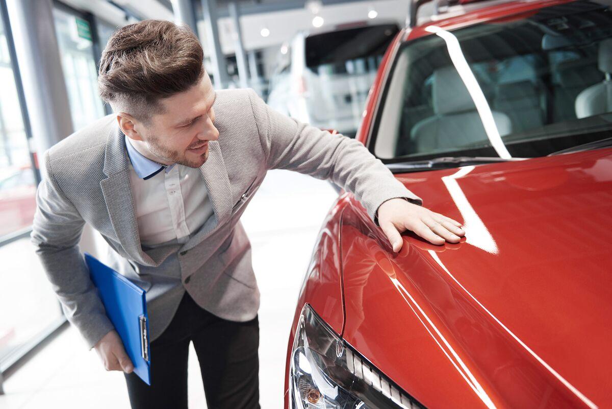 online car buying startups emerge as dealer aids not disrupters bloomberg. Black Bedroom Furniture Sets. Home Design Ideas