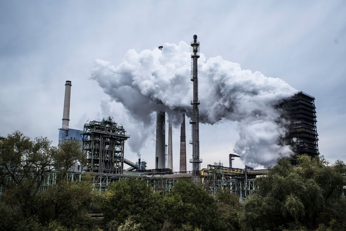 Green Economy Faces Challenge to Replace Carbon Energy Sources