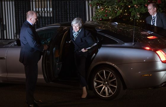Ministers Push Theresa May to Test Different Brexits Before Christmas
