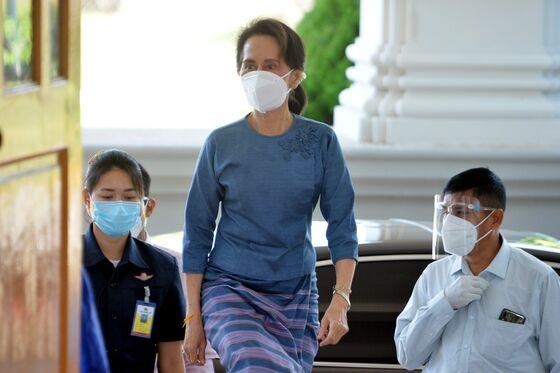 Suu Kyi Set to Win Again Even as Myanmar's Economic Dream Fades