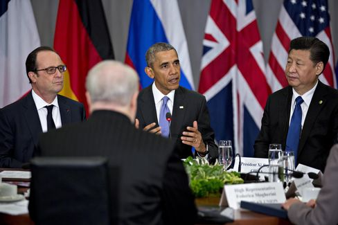 Barack Obama speaks with leaders at the Nuclear Security Summit on April 1.