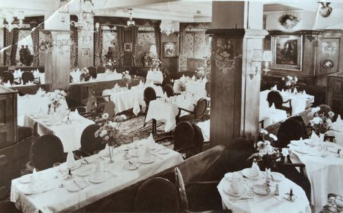 The Ivy traces its history back almost 100 years. Here's the dining room in the 1950s.