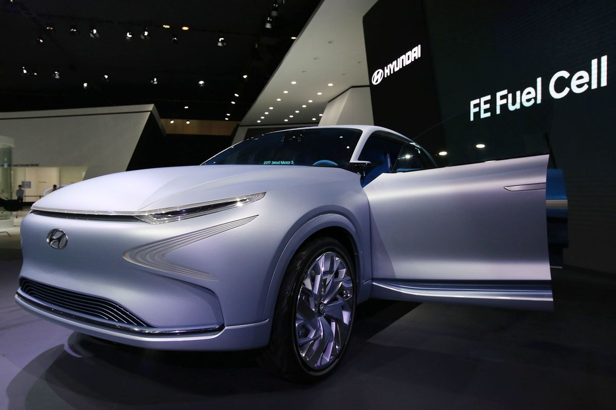 future of asian luxury cars electric vehicles at auto show bloomberg. Black Bedroom Furniture Sets. Home Design Ideas