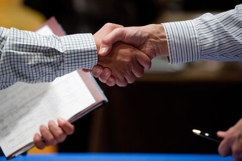 Payrolls Probably Grew Amid Budget Strife
