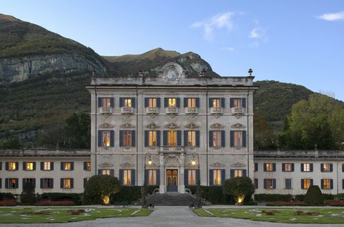 コモ湖畔のグランド・ホテル・トレメッツォは「ヴィラ・ソーラ」の宿泊を開始