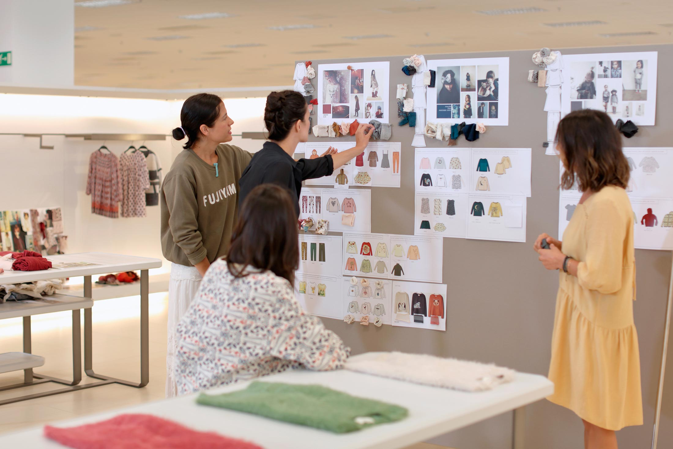 Zara's Recipe for Success: More Data, Fewer Bosses - Bloomberg
