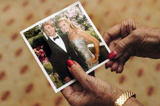 Death at Delta Sig: Heiress Wages a Million-Dollar War on Frats