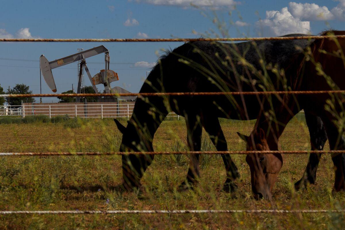Permian Hotspot Tracks Methane as Oil Boom Spurs Climate Concern