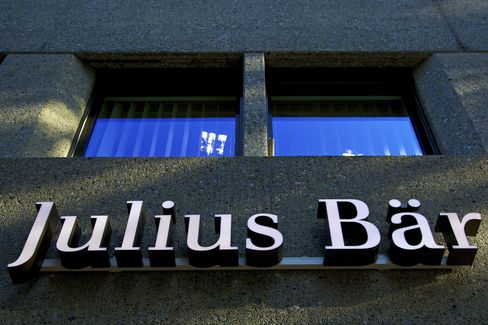 Julius Baer May Cut More Than 1,000 Jobs After Merrill Purchase