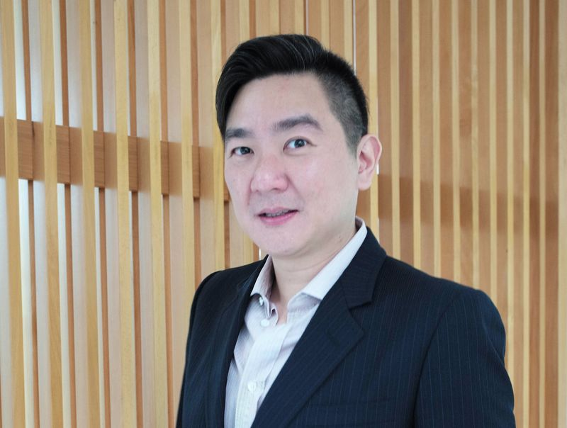 Standard Chartered Hoe Lon Leng