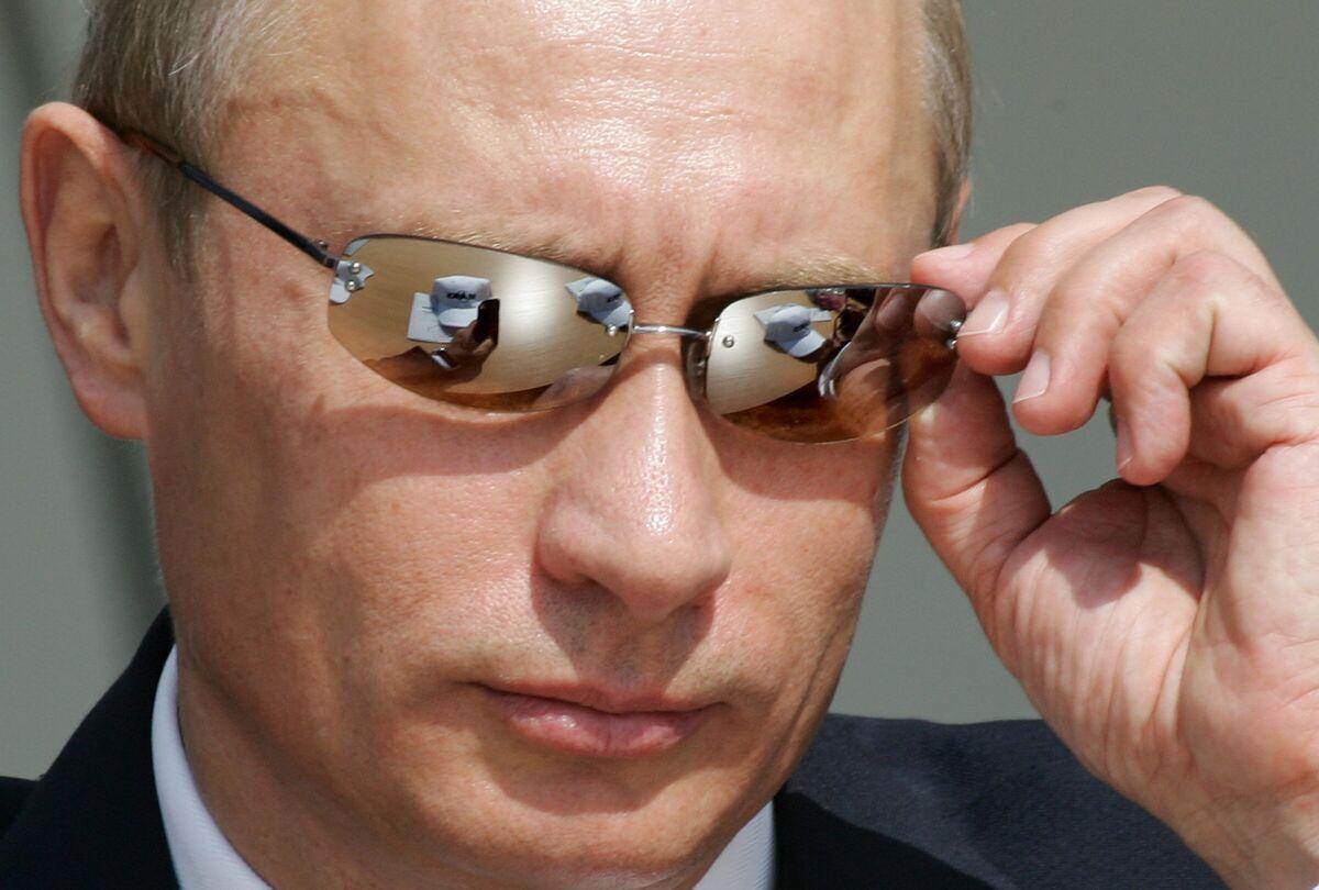 Biden Wants a 'Predictable' Russia. That Helps Putin.