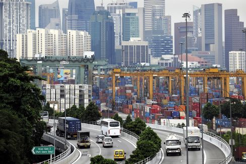 Singapore Raises Inflation Forecast, Vigilant on Growth Risk