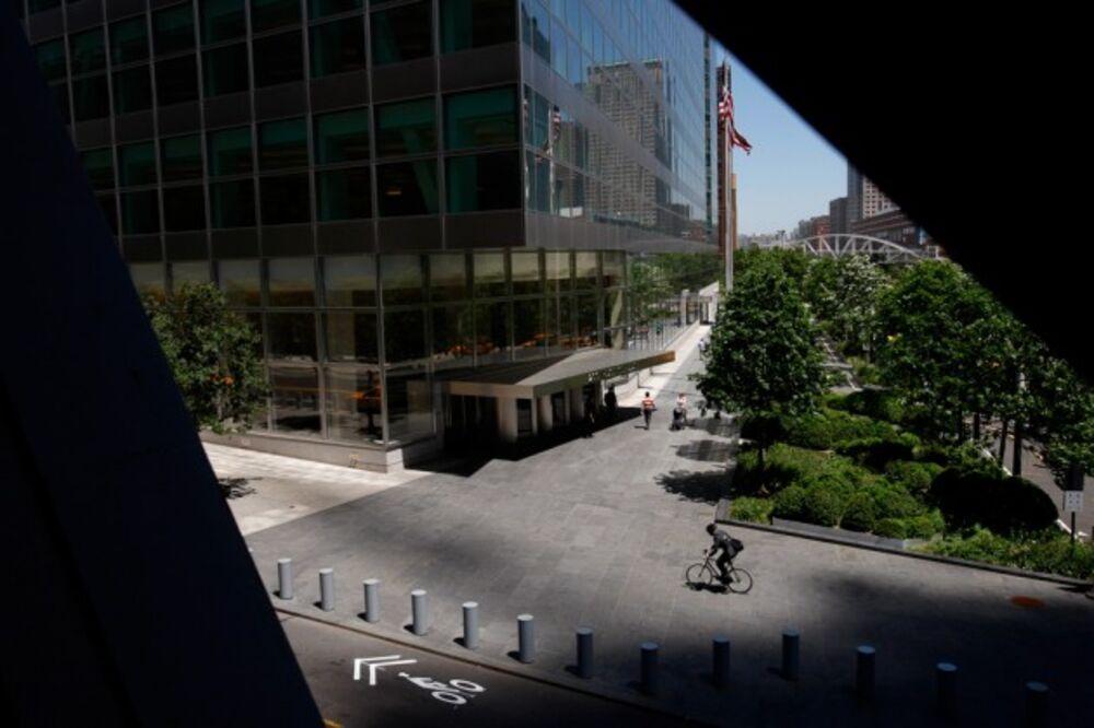 Junior Employee Salaries Rise Sharply at Goldman Sachs