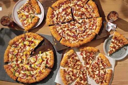 Pizza Hut Shows Up Late to the BBQ Sauce Game