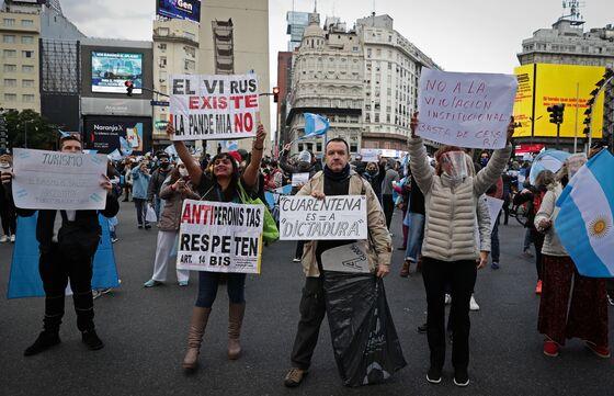 Argentina Expropriation Setback Prompts Backlash by Fernandez