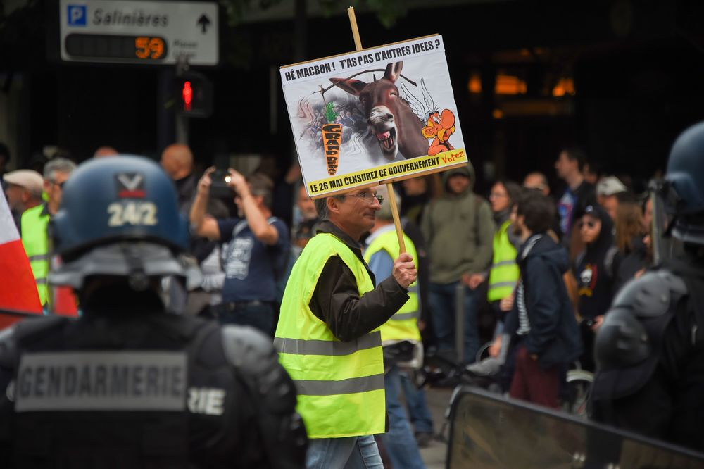 Why the Yellow Vests Remain a Thorn in Macron's Presidency