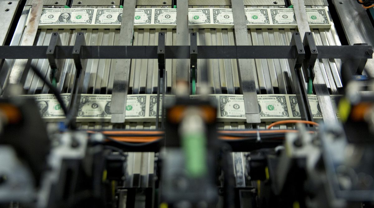 The Dollar Is the 'Big Loser' in Trump's Political Turmoil