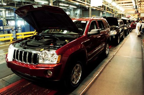 A Rare Recall Standoff as Chrysler Questions Safety Issue