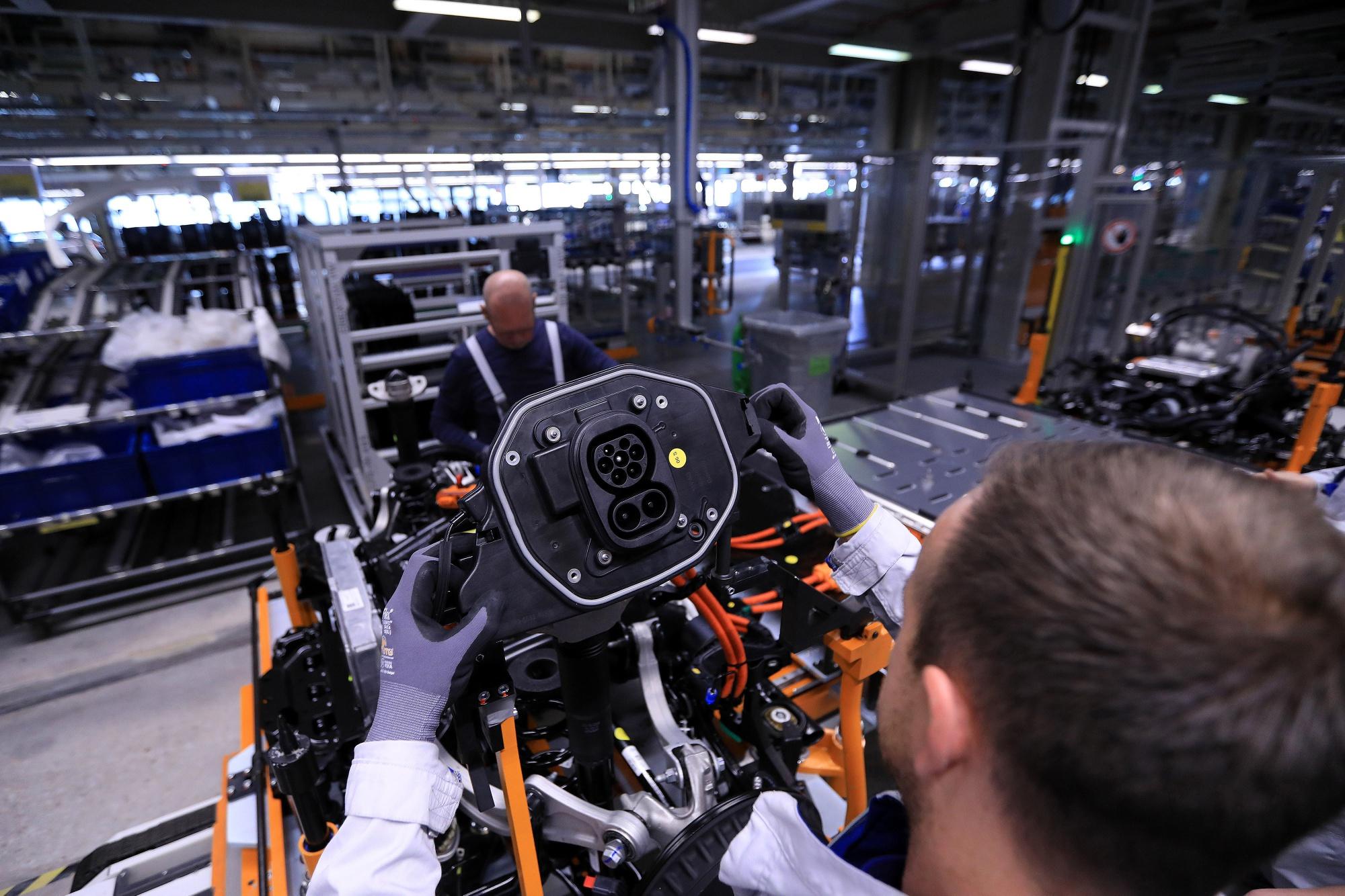 独VWが次世代技術に7兆円超投資-EVや自動運転に大きくシフト - Bloomberg