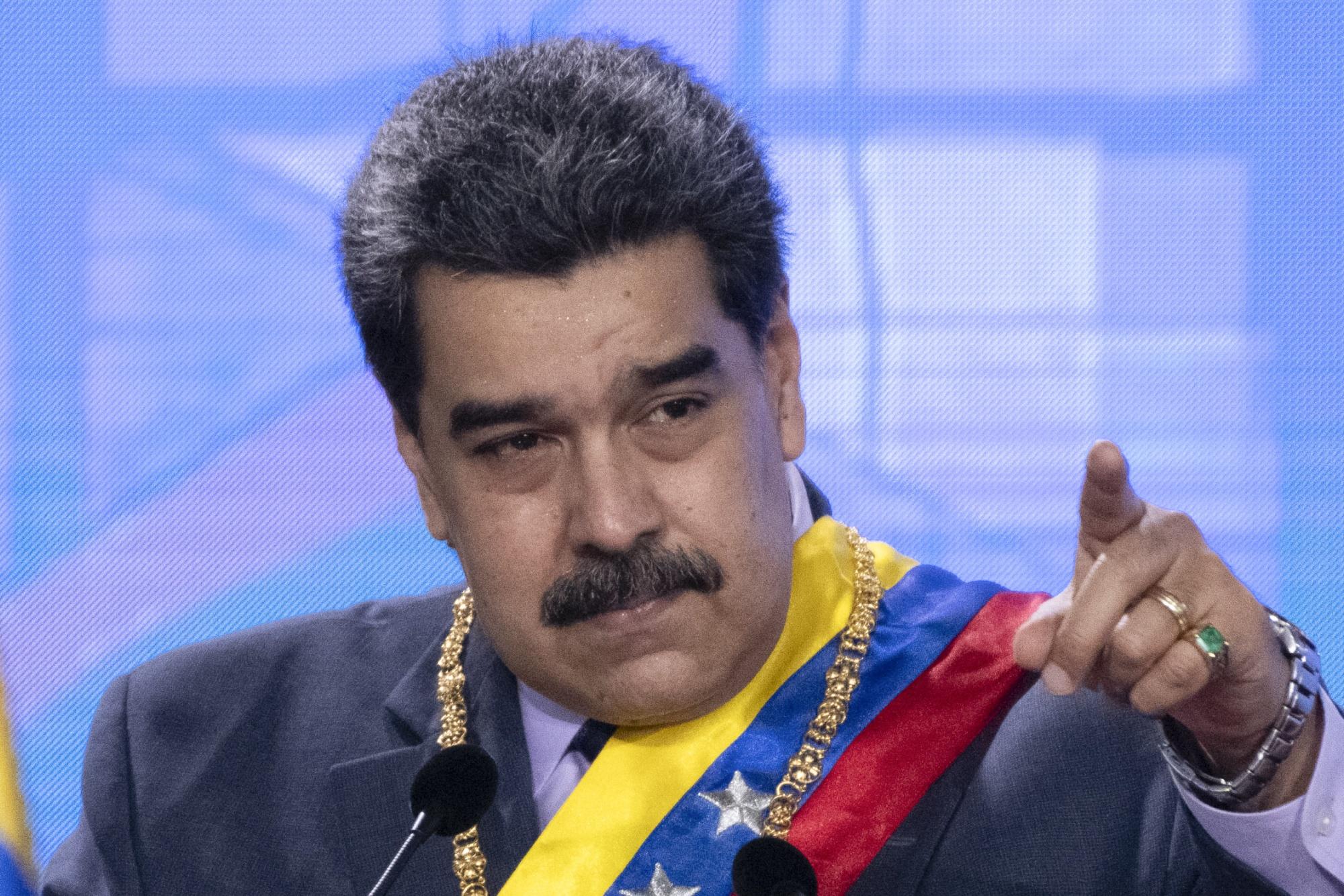 El presidente Maduro se dirige a la Corte Suprema en un acto judicial