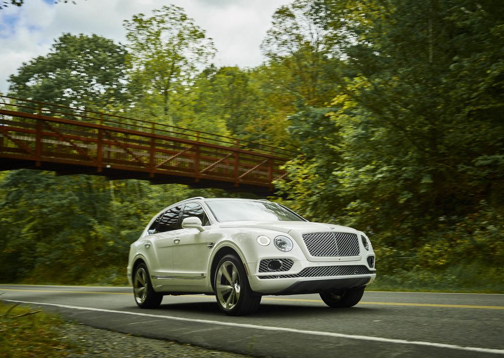 The Bentayga Has Full Led Adaptive Headlamps With High Beam Ist