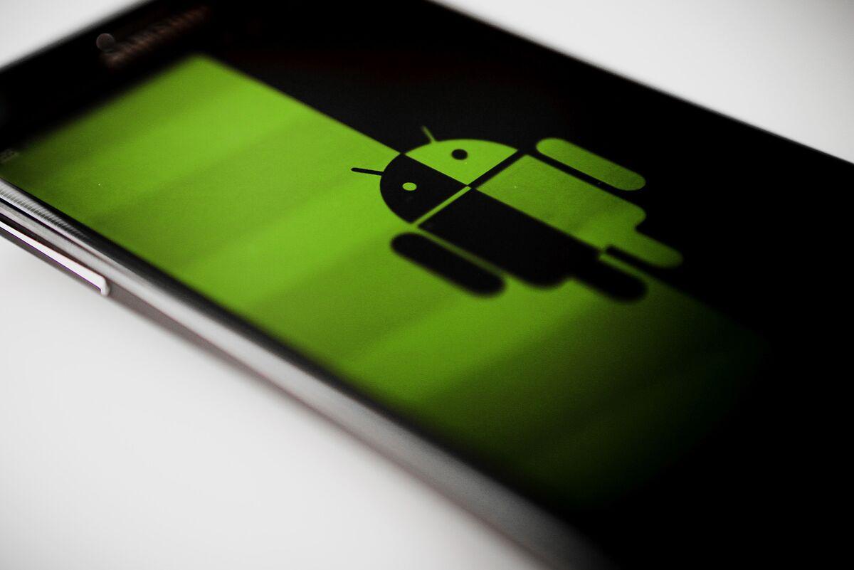 Google Thumbs Its Nose at Europe's Regulators Again