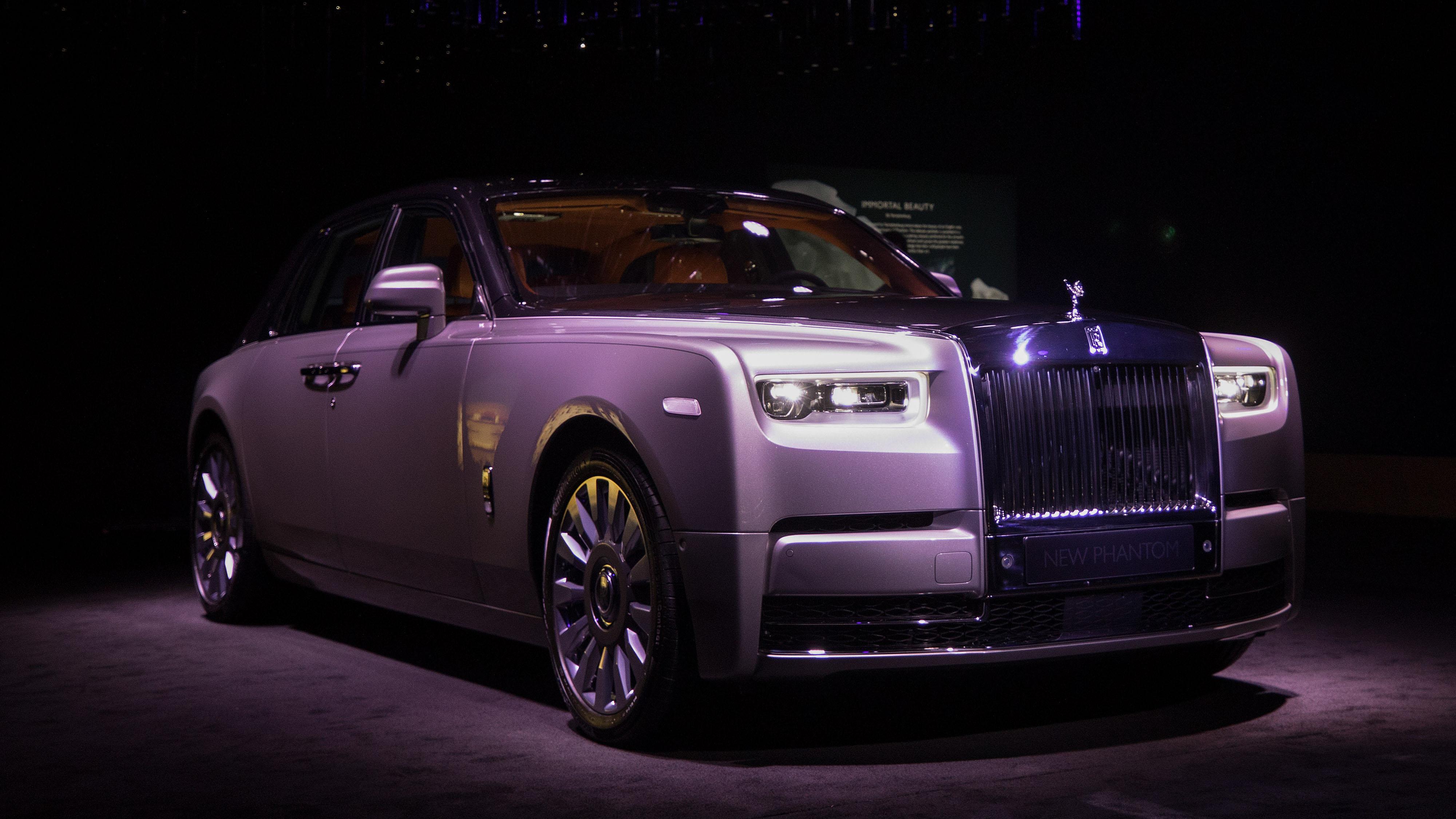 Rolls-Royce Phantom VIII Specs, Design, Speed - Bloomberg