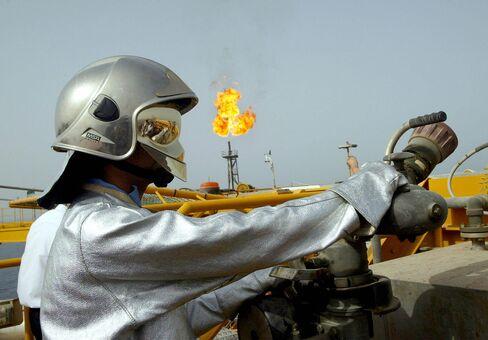 The Iranian Balal offshore oil platform.