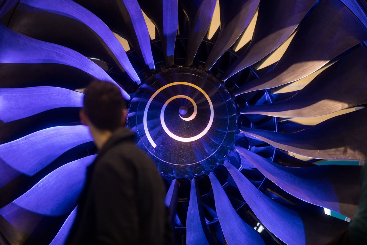 Rolls-Royce Doubtful About Sealing Emirates Deal for Dubai Show
