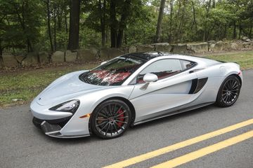 cars-mclaren-570-gt-review-bloomberg-06